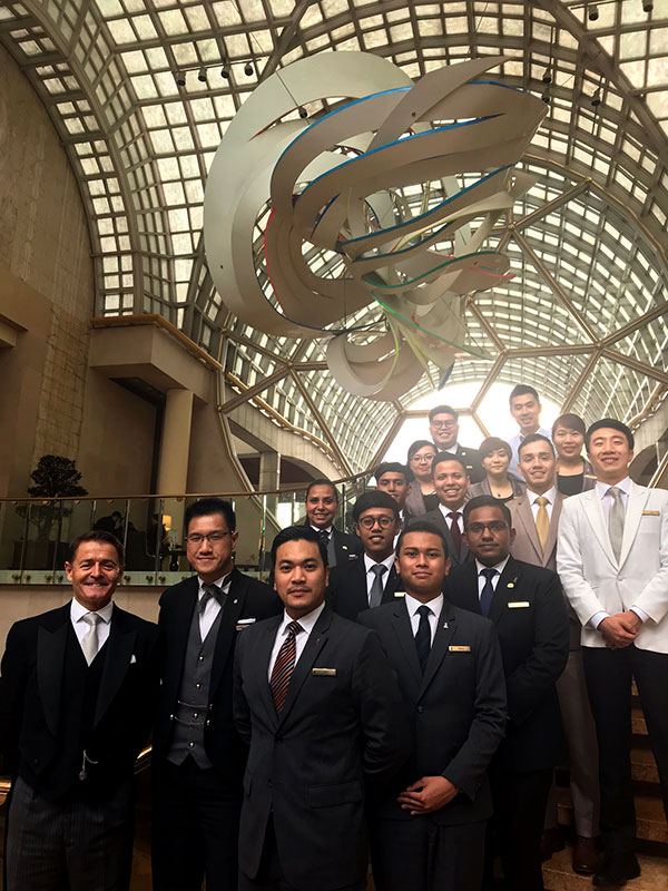 ritz carlton club louge ritz carlton hotel and st regis singapore 2018